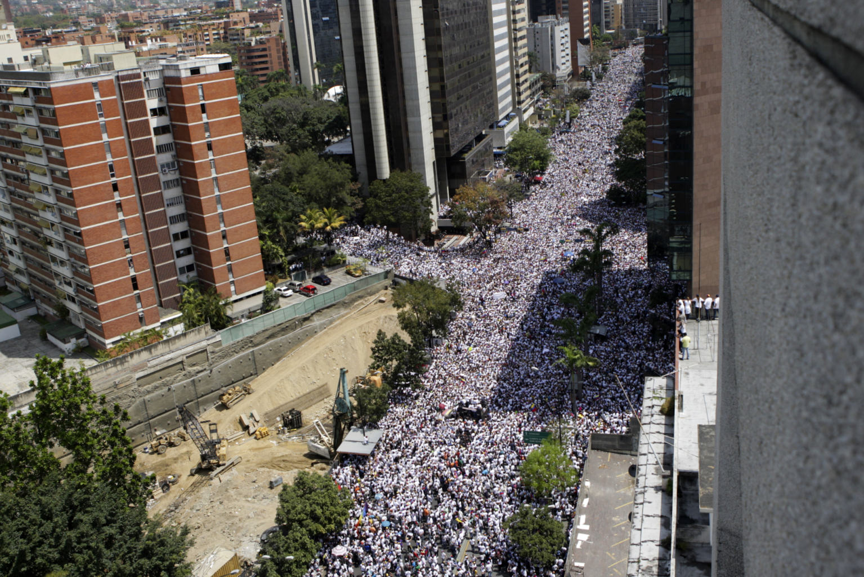 """Revolucion"" au Venezuela ? 6a37f2a0-98de-11e3-bd6f-f24a1dd54495"