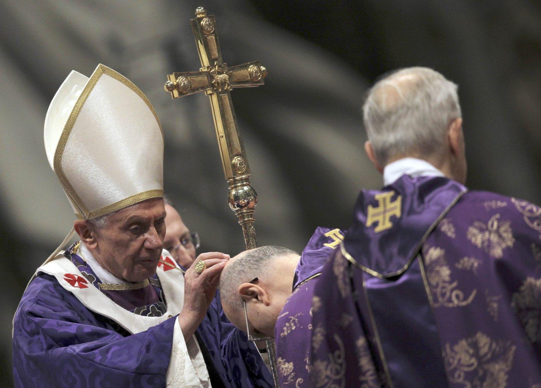 Risultati immagini per Benedetto XVI ceneri Alnselmo aventino